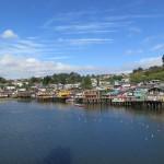 Maisons sur pilotis au port de castro